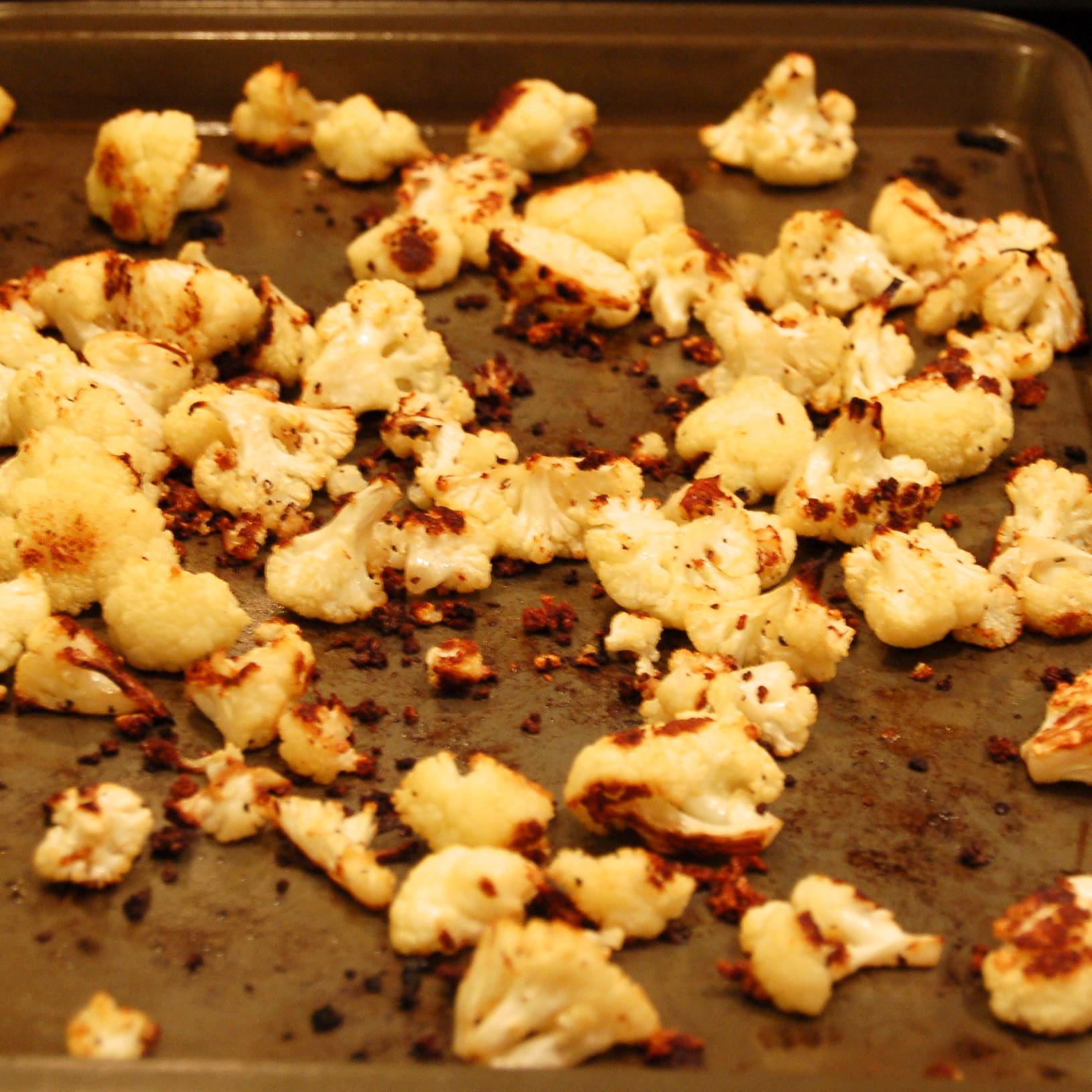 Garlic Roasted Cauliflower With Toasted Asiago Bread ...